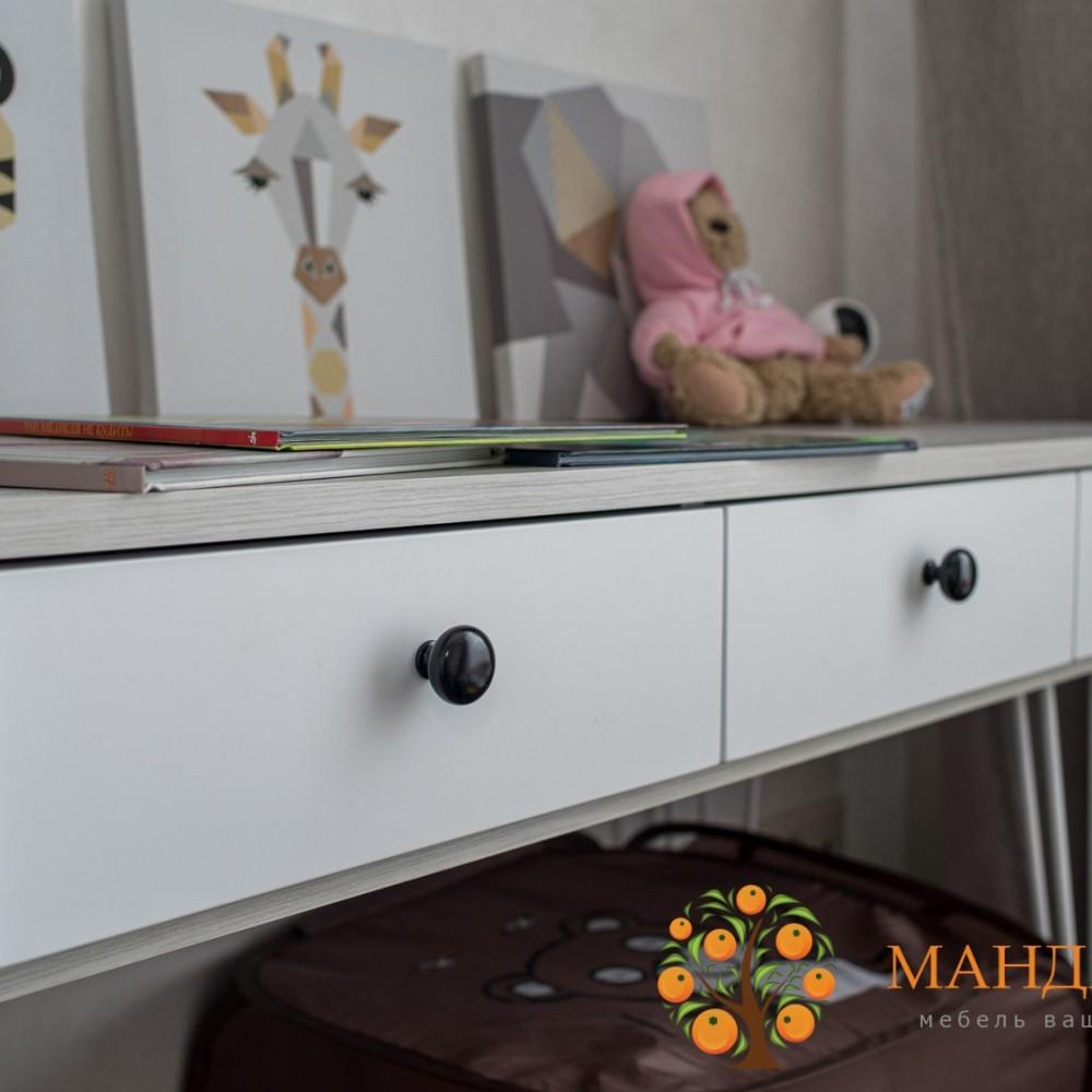 Шкаф белый со столом