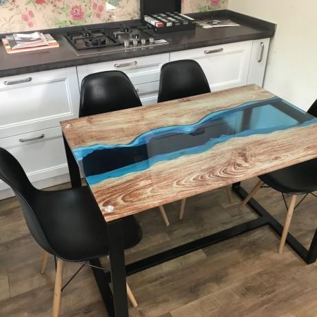 Стол стеклянный River