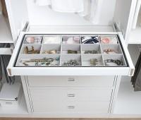 Как превратить обычный шкаф в удобную мебель?