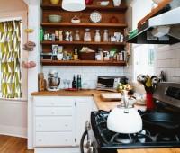 Как обустроить маленькую кухню: 7 находчивых идей