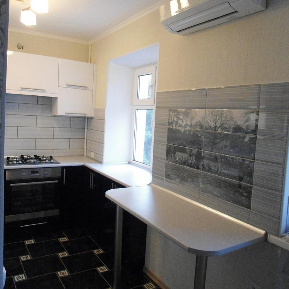 Кухня МДФ Белый/Черный глянец