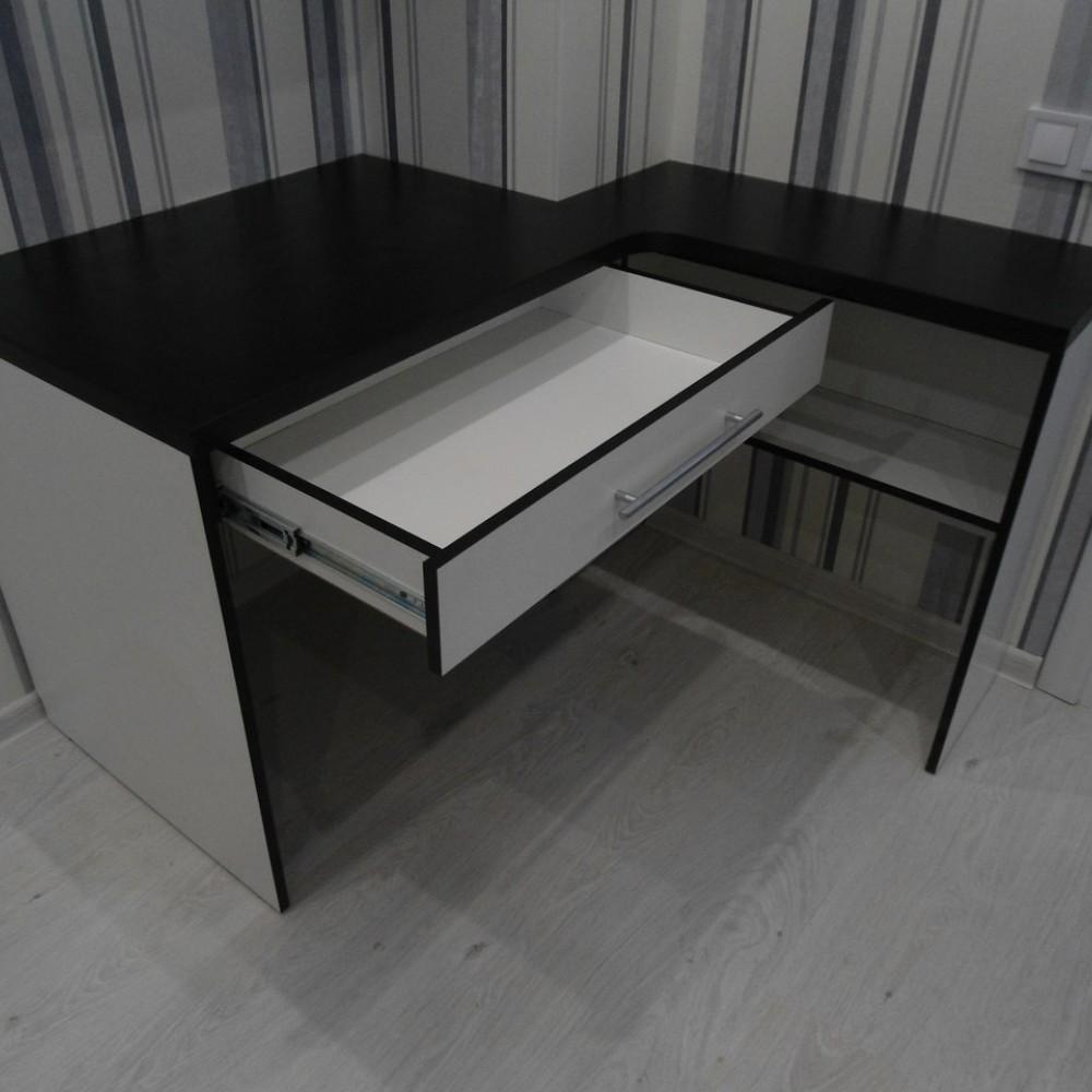 Стол компьютерный под заказ