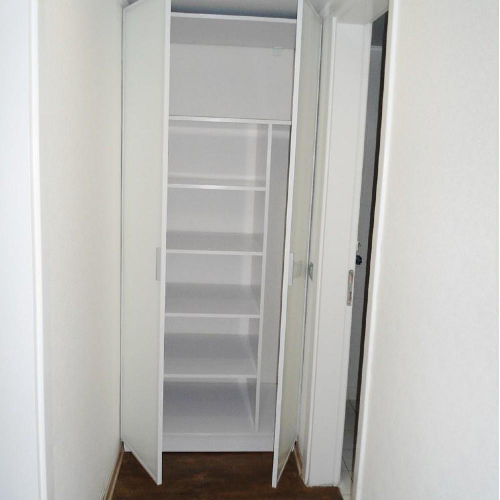 Шкаф белый в профиле Z-4